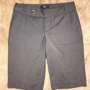 Mossimo Bermuda Shorts Gray Pinstripes Size 2